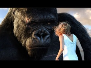 Kong looks impressive in the 2005 Peter Jackson KING KONG, but film is uneven.