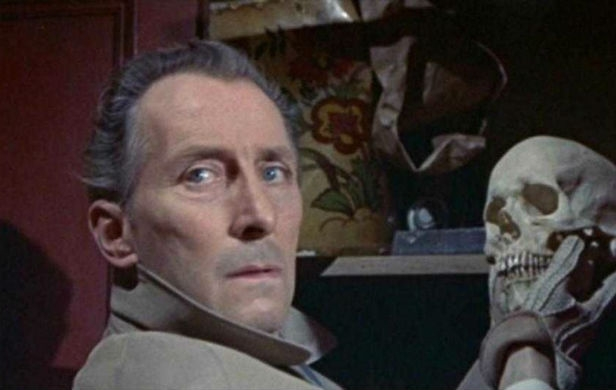Peter Cushing - The Skull